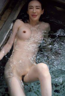 岩本和子さん、再起のヘアヌードグラビアで見せたオマ●コがコチラwww【エロ画像】