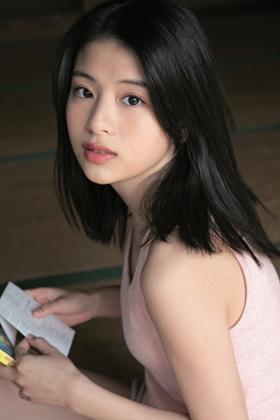 出口夏希さん、透明感が溢れすぎている美少女グラビアを披露www【エロ画像】