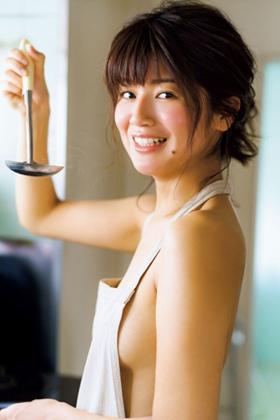 小林礼奈さん、芸人の元嫁の手ブラヌードがぐうシコww【エロ画像】