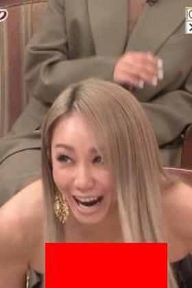 倖田來未さん、胸チラ解放したり最近もギャルのままで露出多くてエロいww【エロ画像】