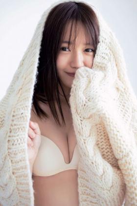 尾崎由香さん、声優なのにドスケベ下着姿を解禁www水着グラビアもシコいwww【エロ画像】