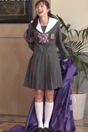 中条あやみさん、最新制服姿やパンチラがぐうシコwww【エロ画像】