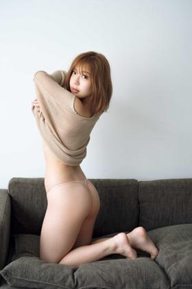 バーレスクダンサーCOCO(24)のTバックグラビアがぐうシコww【エロ画像】