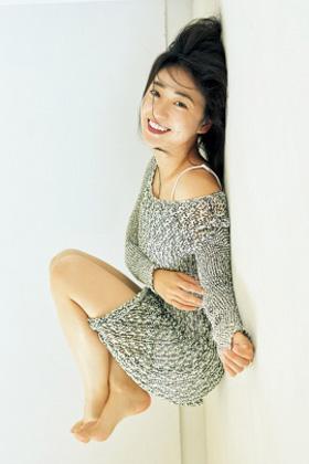 大島優子(30)の最新グラビアのブラチラがエロいww【エロ画像】