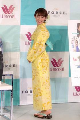 新井恵理那(29)の意外なデカ尻浴衣姿やキャプがエロいww【エロ画像】