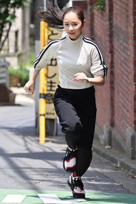 堀田真由(21)の全力坂のおっぱいキャプがエロいww【エロ画像】