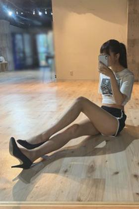 現役JK藤川らるむ(16)の美脚インスタ写真がエロいww【エロ画像】
