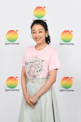 浅田真央(28)のさり気ない胸チラがエロいww【エロ画像】
