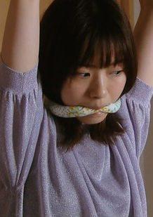 西野七瀬(25)の拘束シーンが過激でエロいww【エロ画像】