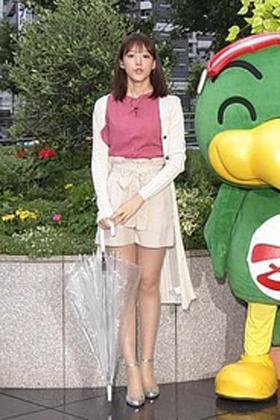 山崎あみ(22)のズムサタのミニスカ太ももがけしからんww【エロ画像】