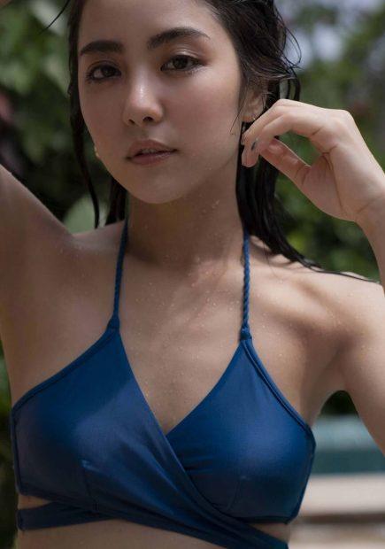 石川恋(25)の水着姿の写真集グラビアがエロいww【エロ画像】
