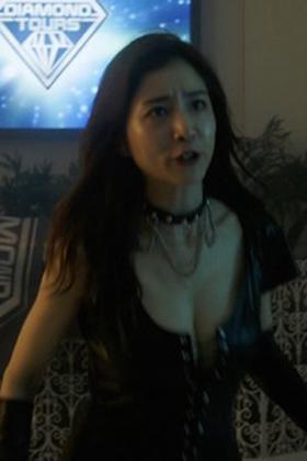 田中みな実(32)の女王様ボンテージ姿がぐうシコww【エロ画像】