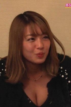 橋本梨菜(25)のほろ酔い胸チラ谷間のキャプがエロいww【エロ画像】