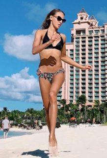 美人柔道女子ダリア・ビロディド(18)のインスタ水着姿がぐうシコww【エロ画像】
