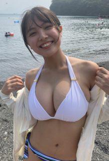 寺本莉緒(17)の爆乳JKのGカップがけしからんww【エロ画像】