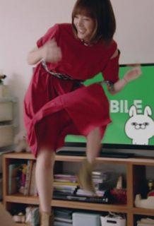 本田翼(27)のLINEモバイルCMがパンチラ寸前でエロいww【エロ画像】