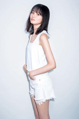 遠藤さくら(17)の透明感溢れるグラビアがエロいww【エロ画像】