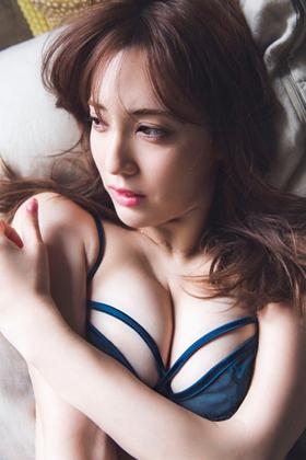 朝比パメラ(27)の美尻がエロいハーフモデルのグラビアww【エロ画像】