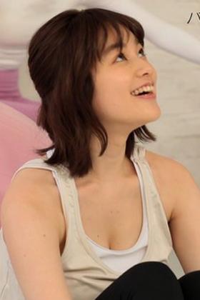 筧美和子(25)の筋トレ胸チラ姿がけしからんww【エロ画像】
