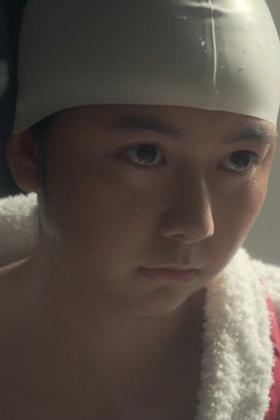 上白石萌歌(19)のいだてんでの競泳水着姿の胸チラ谷間がエロいww【エロ画像】