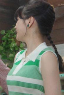 広瀬すず(21)の巨乳化したおっぱいや乳搾り・出産シーンがエロいww【エロ画像】