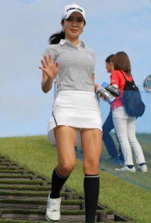 アン・シネ(28)の最新水着姿やミニスカ美脚がパンチラしそうでエロいww【エロ画像】