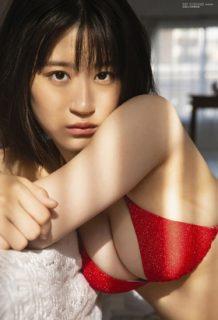 上西怜(18)の巨乳が迫力満点な水着グラビアがぐうシコww【エロ画像】