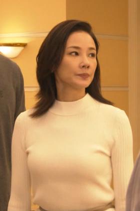 吉田羊(45)の最新ドラマの乳揺れGIFがエロいww【エロ画像】