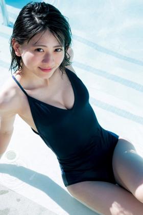 山田南実(18)の1st写真集の水着グラビアがエロいww【エロ画像】