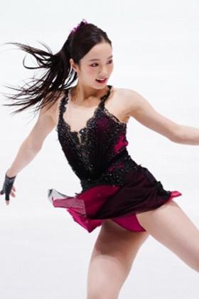 本田真凛(18)のオマ●コエロ過ぎ!スケート姿がエロ目線不可避ww【エロ画像】