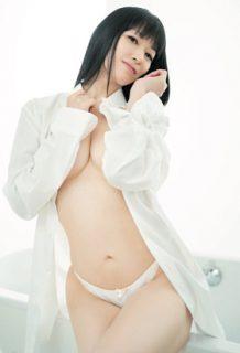 声優の田中理恵(40)が写真集発売!Tバックセミヌードで脱ぎ散らかすww【エロ画像】