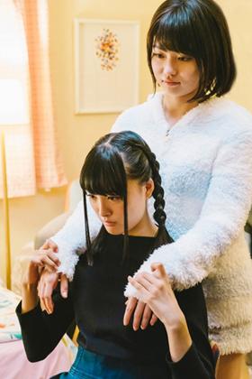 山田杏奈18歳、レズ解禁!!!!お宝水着もエロいが百合ドラマも抜けるw【エロ画像】