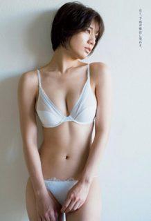 佐藤美希のGカップおっぱい!過激水着グラビアのエロ画像総まとめ