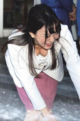 """森香澄アナ、黒歴史確定の""""おっぱい""""を見せつけてしまう・・・【エロ画像】"""