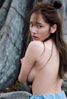 都丸紗也華さん、写真集発売で「神乳」を解禁!おっぱいエロ過ぎwww【エロ画像】