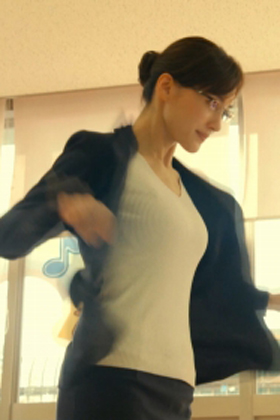 綾瀬はるかさん、新年早々おっぱいサービスwwwくっきりYCが露わに・・・【エロ画像】