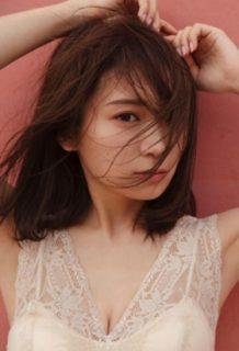 秋元真夏さん、脱ぎたい欲が爆発!2nd写真集発売で脱ぎ散らかすwww【エロ画像】