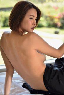 奈月セナさん、横乳おっぱい見えててクッソエロいwww【エロ画像】
