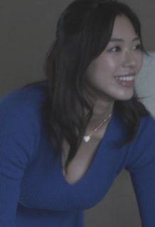 わちみなみさん、SEX不可避の胸チラ、お尻誘惑をしてしまうwww【エロ画像】