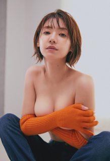 倉科カナさん、ananでおっぱい披露!!過去の水着もエロいwww【エロ画像】