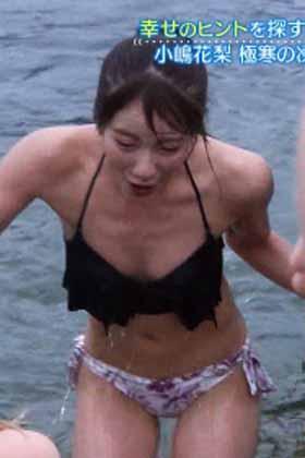 NMB48小嶋花梨さん、地上波でおっぱい放出!!!水着姿がスケベすぎるwww【エロ画像】