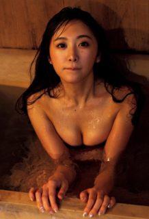 真島なおみさん、不倫旅行の写真がエロすぎてヤバいwww【エロ画像】