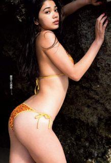 Mayuriさん、ハーフ美女のデカ尻と巨乳がシコすぎるwww【エロ画像】