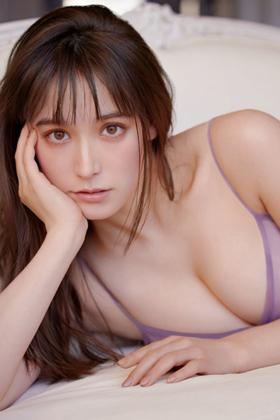 トラウデン直美さん、ハーフ美女がグラビアでおっぱい解禁でぐうシコww【エロ画像】