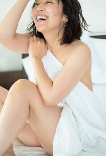 酒井美紀さん、美熟女女優が脱ぐ!熟女好き必見の初グラビアがコチラwww【エロ画像】