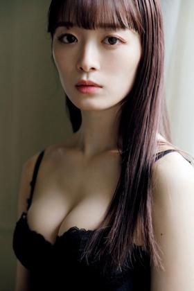 優希クロエさん、色白美人アイドルのグラビアがくっそエロいwww【エロ画像】