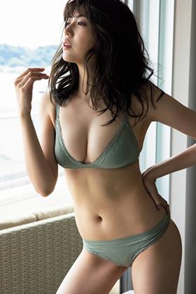 岩﨑名美さん、Fカップに超美脚をたっぷり見せつけてくれるwww【エロ画像】