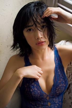 林田岬優(23)人気モデルの初水着グラビア!プリケツが抜けるww【エロ画像】