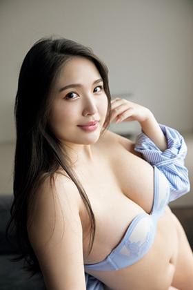 水咲優美さん、むっちり爆乳グラドルさんの恵体がけしからんwww【エロ画像】